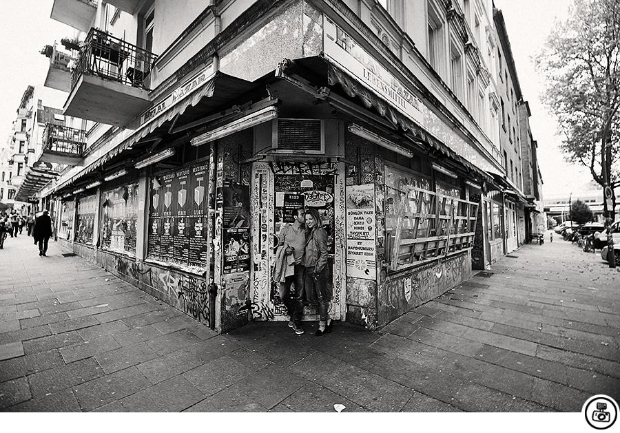 paarshooting im hamburger schanzenviertel hochzeitsfotograf hamburg markus schwarze blog. Black Bedroom Furniture Sets. Home Design Ideas